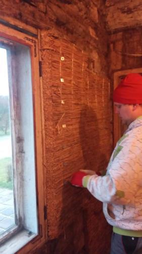 Pillirooplaadist aknapale (Madli toa välissein)